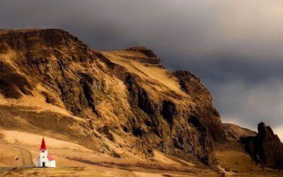 Dookoła Islandii z mapą w ręku